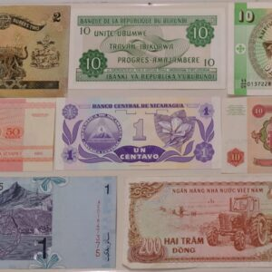 Set of 8 different world currency banknote